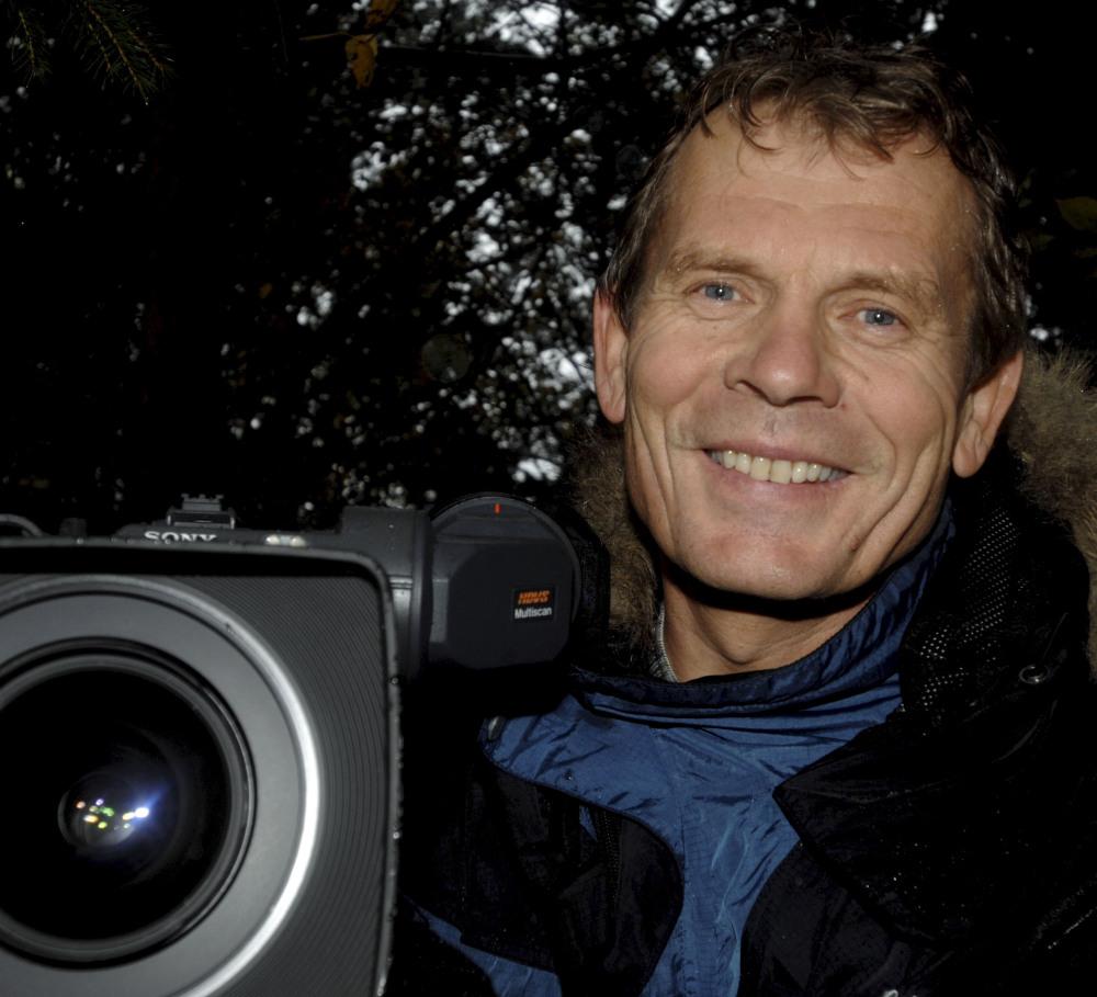 Arne Nævra ved videokameraet. foto: Per Jarle Heggedalsvik